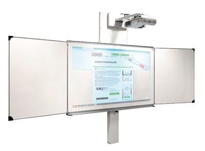Tableau blanc avec mécanisme équilibreur mural électrique et deux vantaux latéraux